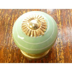 Porcelain knobs line white/light green