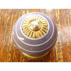 Porcelain knobs line white/purple