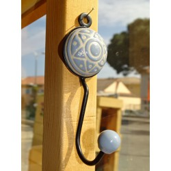 round porcelain coat rack with star embossed gray color