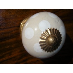 Ceramic knobs pitch ecru