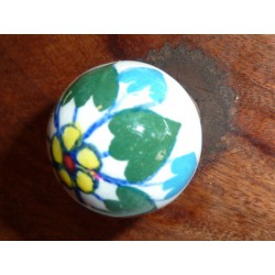 butons ball flower yellow and green