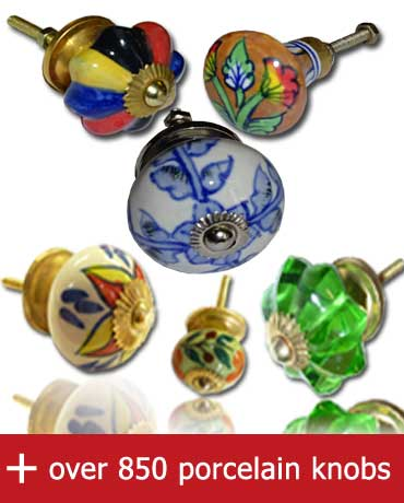 Ceramic knobs or porcelaine knobs, porcelain furniture handles, porcelain door handles, porcelain drawer knobs, ceramic door knobs. Giving new life to your furniture with these handles in porcelain.